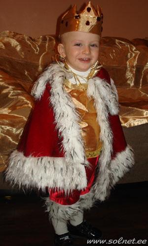 Новогодний костюм короля для мальчика 1 год фото