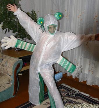 Как своими руками сделать костюм инопланетянина