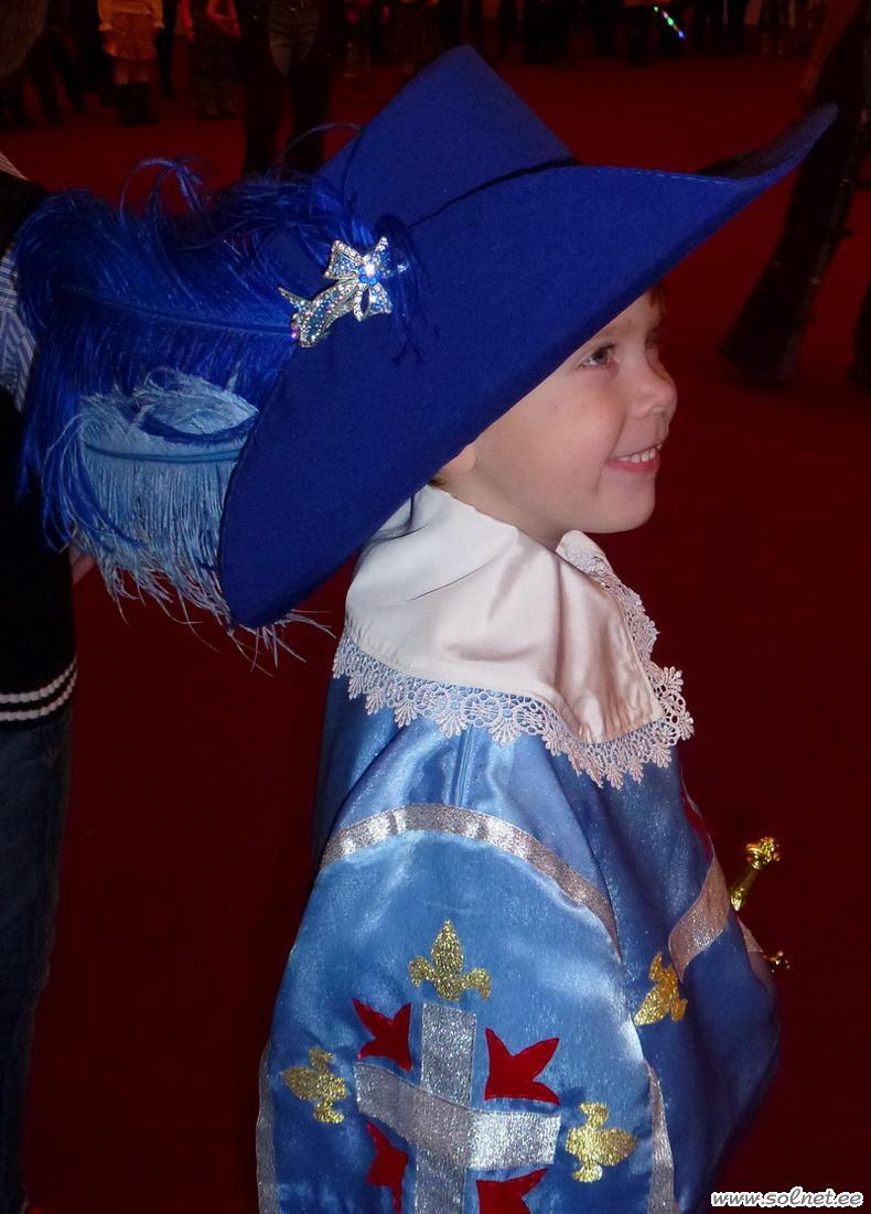 Шляпа мушкетера своими руками фото 447