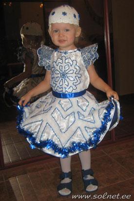 Детский костюм на новый год снежинки для