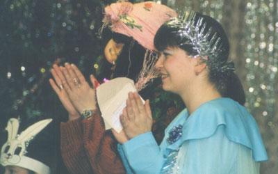 Главная Баба-Яга (заведующая детским садом) и Метель (Наталья Валерьевна, мама Ильи Смирнова)