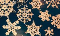 Новогодние вязаные ажурные снежинки